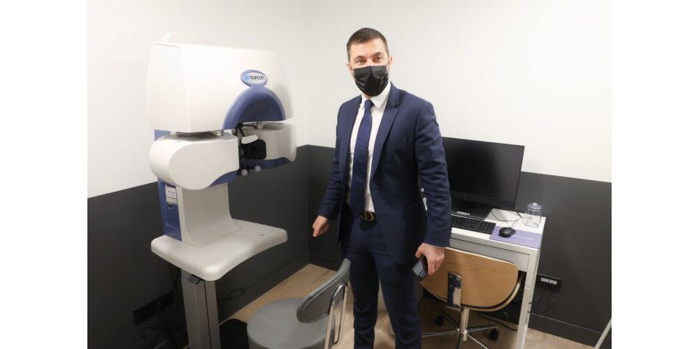 photo du Fondateur d'Ophtalmologie Express dans son nouveau centre à Metz